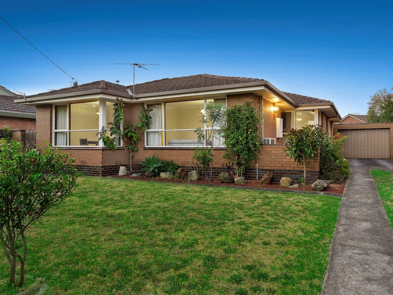 13 Tereva Crescent, Wheelers Hill, Vic 3150