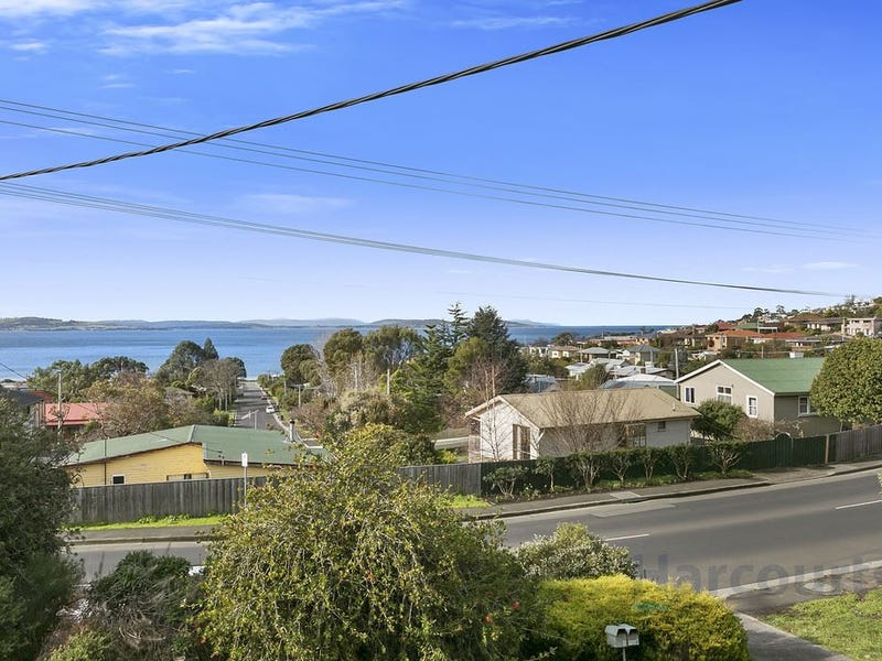 2/241A Roslyn Ave, Blackmans Bay, Tas 7052