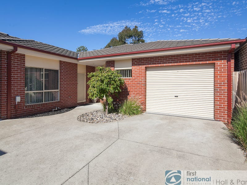 2/16 Roberts Road, Cranbourne, Vic 3977