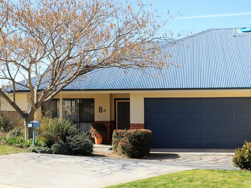 8A Hayden Place, Young, NSW 2594