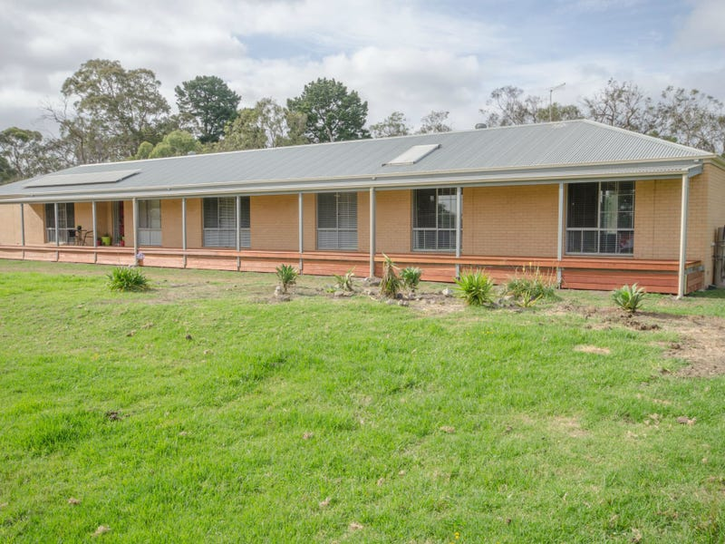8 Bay Road, Lang Lang, Vic 3984
