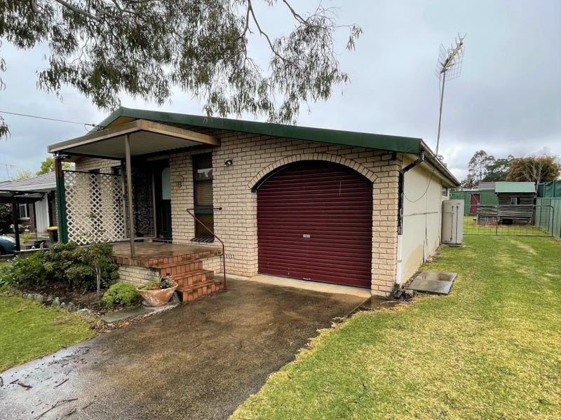 8 Page Avenue, North Nowra, NSW 2541