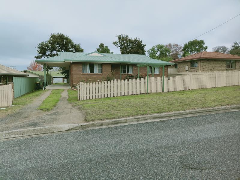 21 Lock street, Stanthorpe, Qld 4380