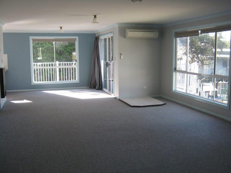 20 Beach St, Tuross Head, NSW 2537