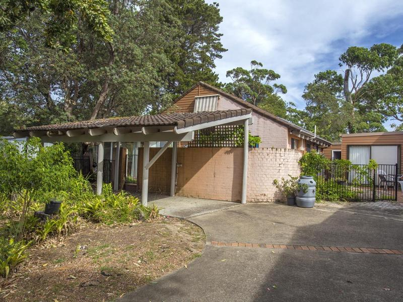 15 Larmer Close, Broulee, NSW 2537