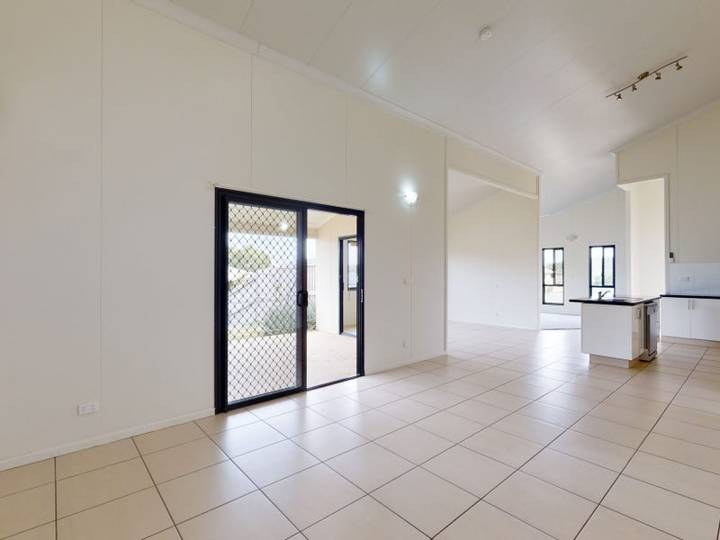 2 Mitchell Court, Gracemere, Qld 4702