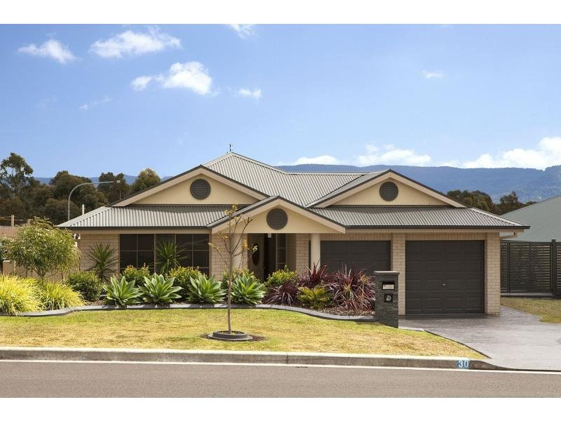 30 Carrington Park Drive, Nowra, NSW 2541