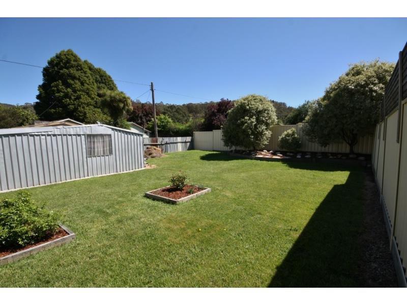 1 Wattle Avenue, Captains Flat, NSW 2623