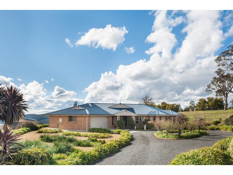 201 Peregrine Road, Billywillinga, NSW 2795