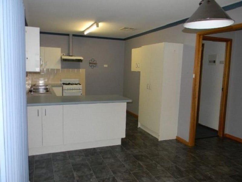 40 Hermit Street, Roxby Downs, SA 5725
