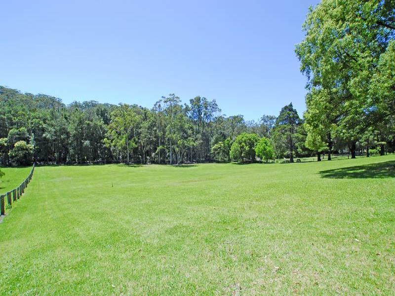 33 Erina Valley Rd, Erina, NSW 2250