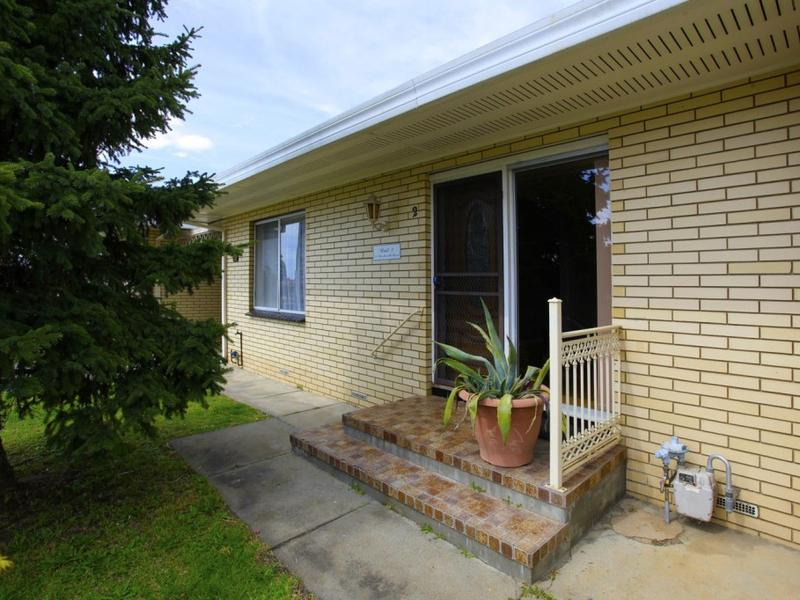 2/239 BEECHWORTH ROAD, Wodonga, Vic 3690