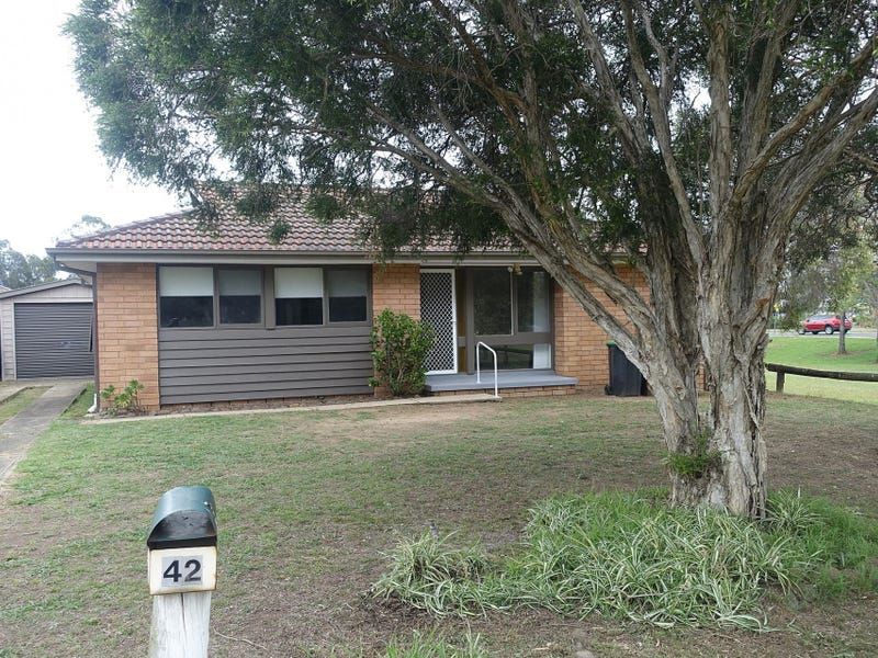42 Mosely Ave, South Penrith, NSW 2750