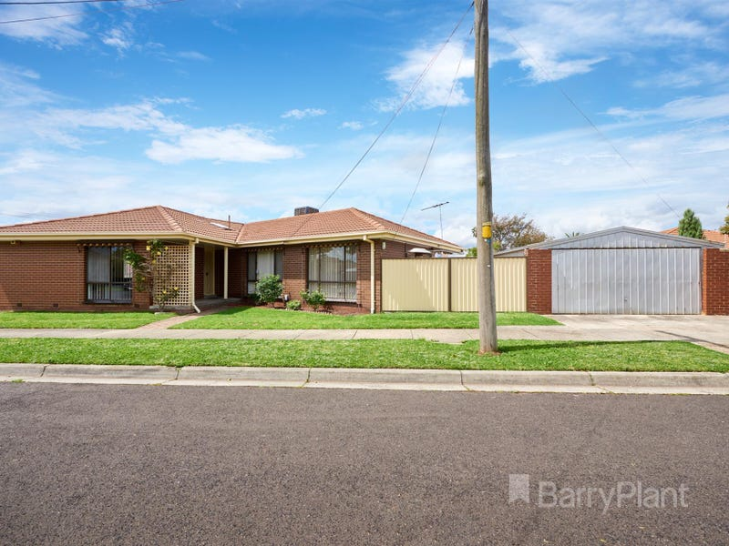 16 Charnfield Crescent, Noble Park, Vic 3174