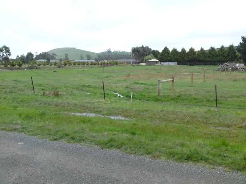 Lot D, Urquhart St, Gordon, Vic 3345