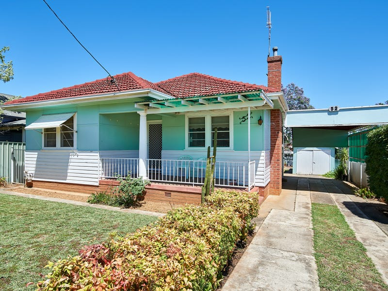52 Heath Street, Turvey Park, NSW 2650