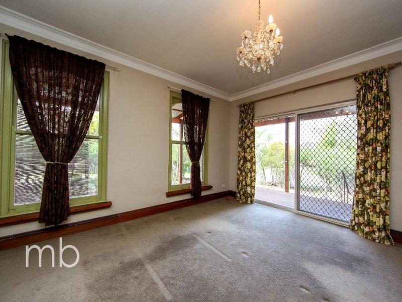 16 Fitzroy Street, Peel, NSW 2795