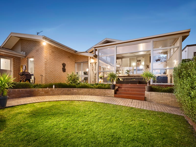 3 Rosebank Avenue Strathmore Vic 3041 Property Details
