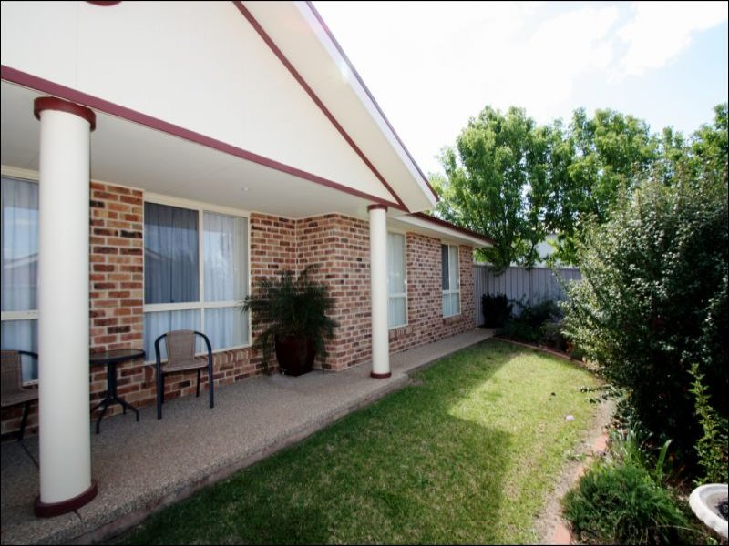 3/25 Monaro Court, Tatton, NSW 2650