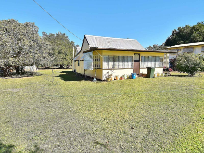 12 PHILLIPSON ROAD, Charters Towers City, Qld 4820