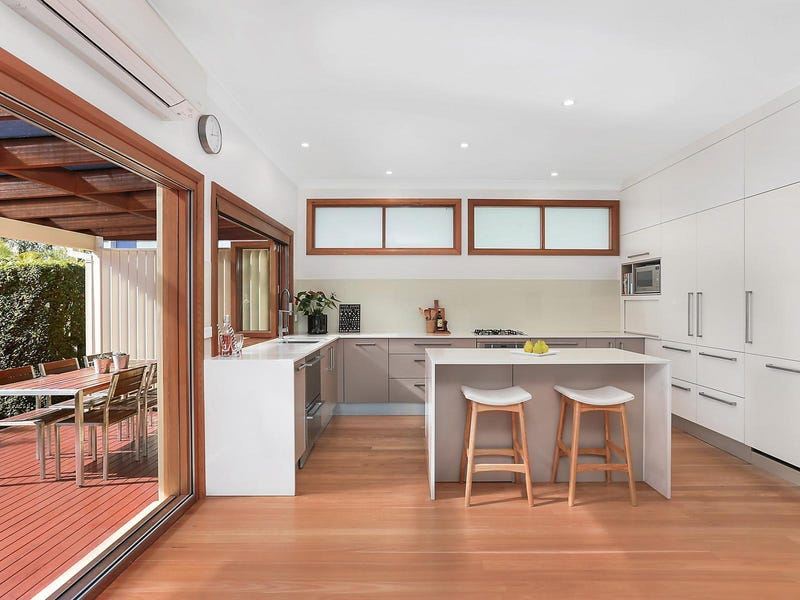 55 Surfers Parade, Freshwater, NSW 2096