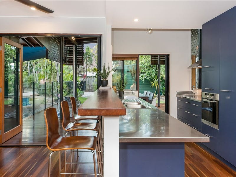 13 Fantome Street, Rowes Bay, Qld 4810