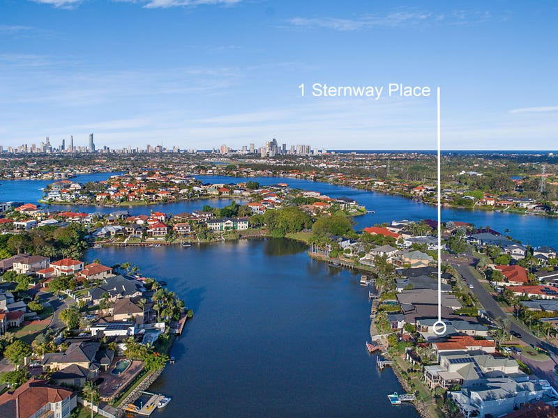 1 Sternway Place, Clear Island Waters, Qld 4226