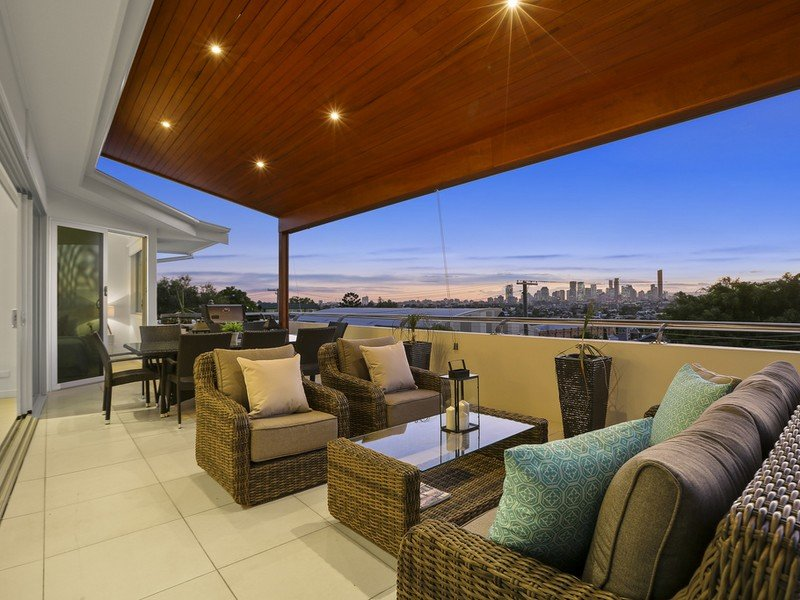 2/61 Collings St, Balmoral, Qld 4171