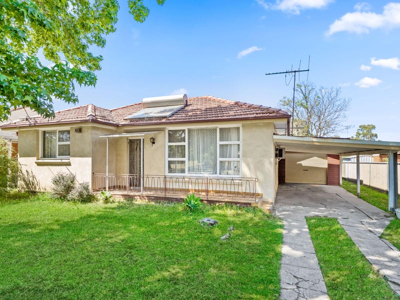 42 Carpenter St, Colyton, NSW 2760