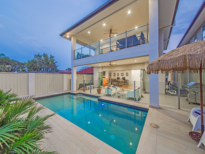 16 Woodhill Ave, Coorparoo, Qld 4151