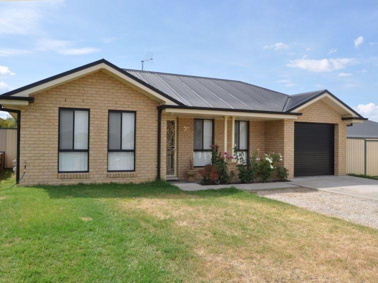 30 Sundown Drive, Kelso, NSW 2795