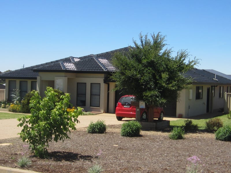 25 Lewis Street, Coolamon, NSW 2701