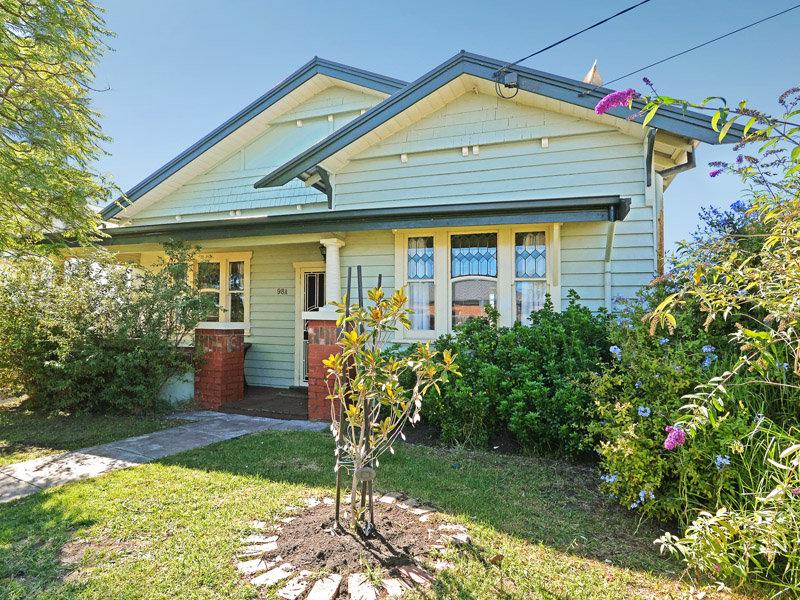 98a  Elizabeth Street, Geelong West, Vic 3218