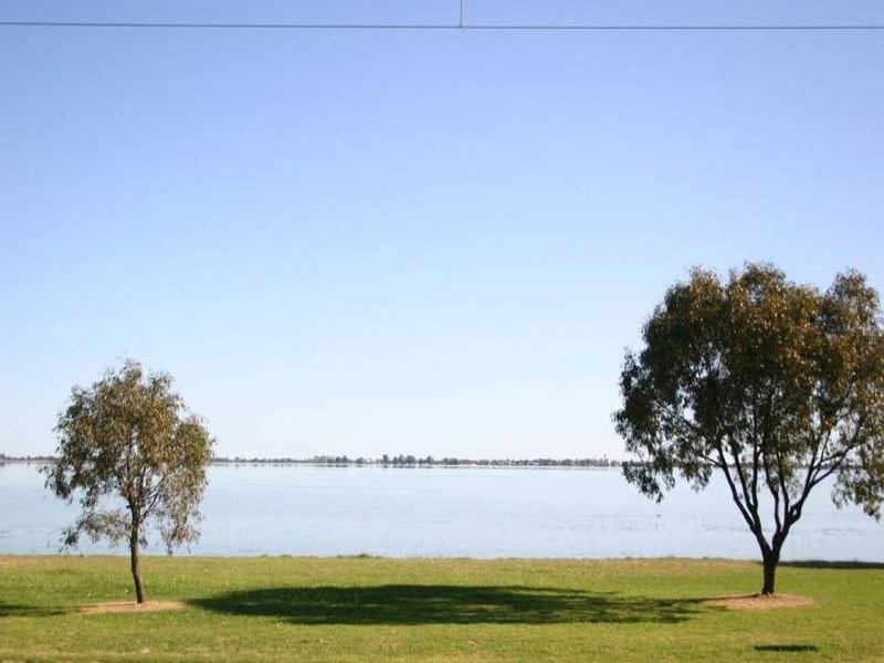 341 Lakeside Drive, Lake Boga, Vic 3584