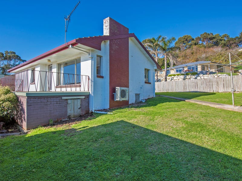 16 Seaside Crescent, Penguin, Tas 7316