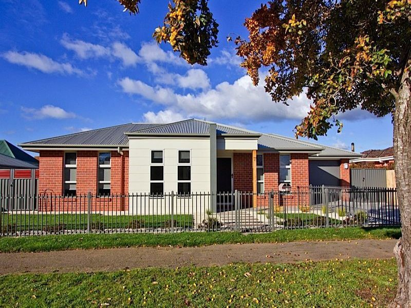 2/77A William Street, Westbury, Tas 7303