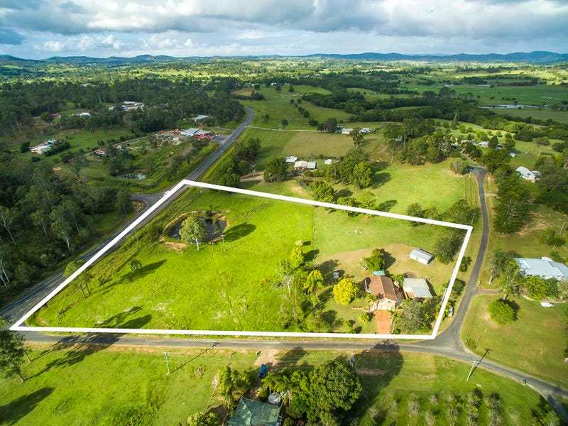 17 Lockhart Road, Victory Heights, Qld 4570