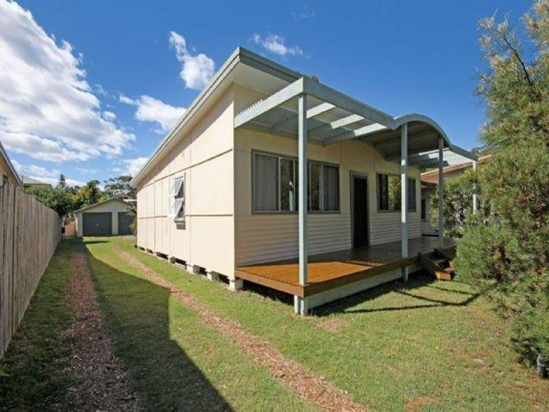 40 Lakeside Drive, South Durras, NSW 2536