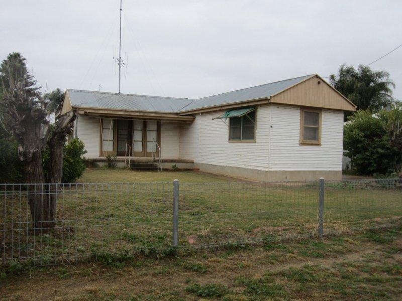 6 CATHUNDRIL STREET, Nyngan, NSW 2825