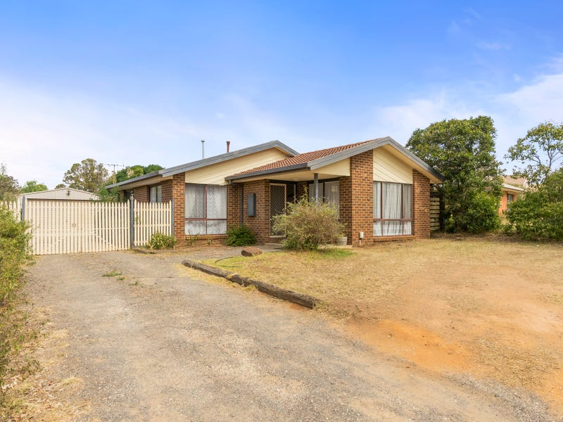 11 Sheldon Avenue, Darley, Vic 3340