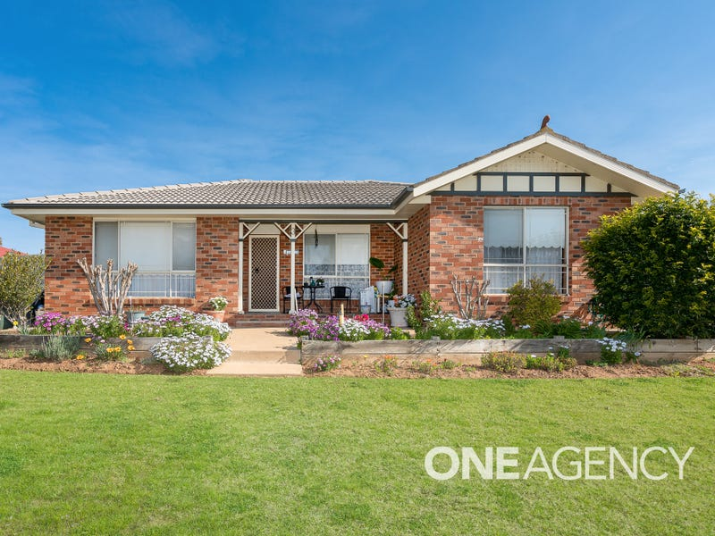 3/2 DUNN AVENUE, Forest Hill, NSW 2651