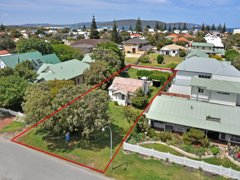 16 Garden Street, Middleton Beach, WA 6330
