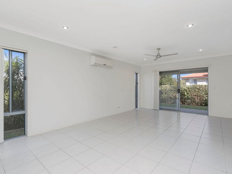 1/6 Rise Circuit, Pacific Pines, Qld 4211