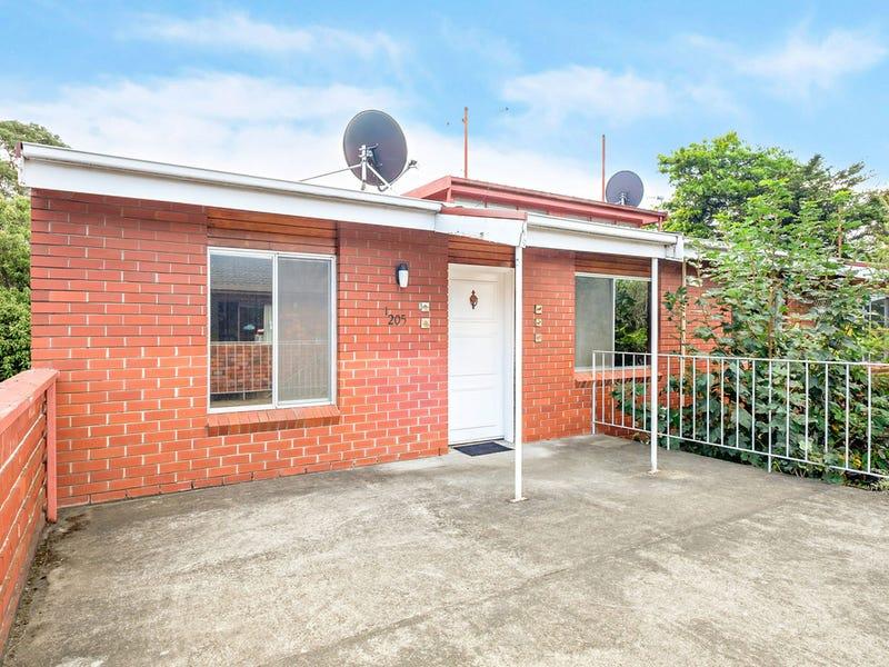1/205 Churchill Avenue, Sandy Bay, Tas 7005