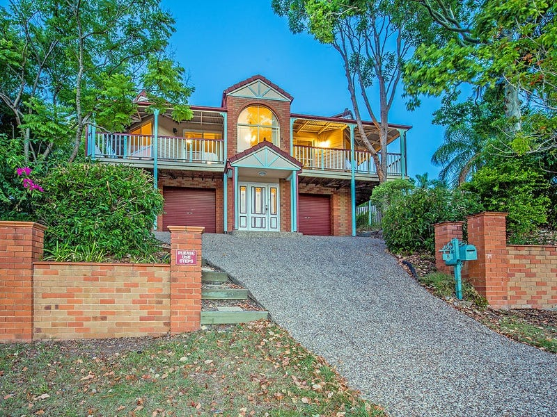 8 Pacific Pines Boulevard, Pacific Pines, Qld 4211