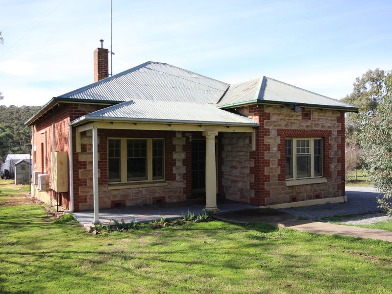 111 Main North Road, Clare