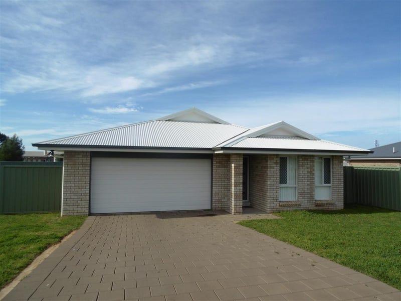 24 Warragrah Place, Parkes, NSW 2870