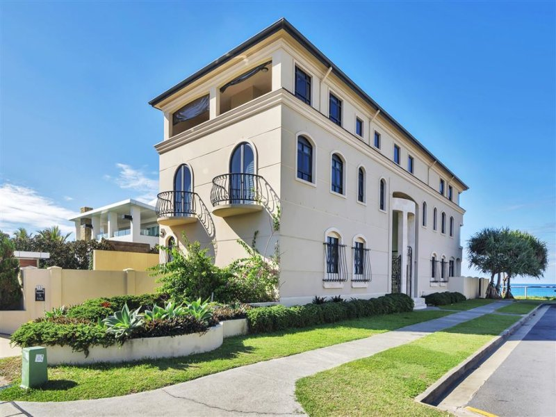 31 Hedges Avenue, Mermaid Beach