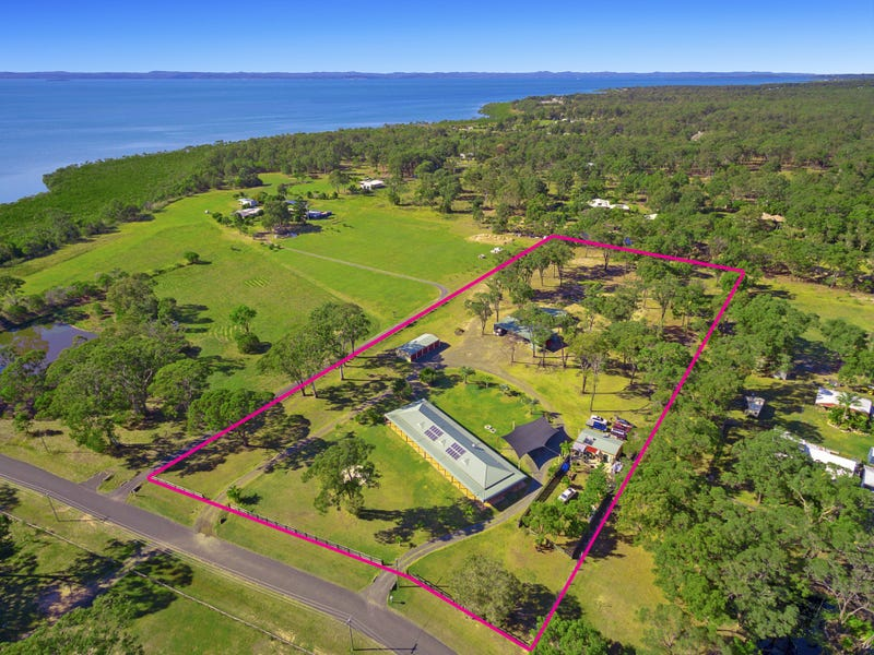 52 Barallen Close, Booral, Qld 4655