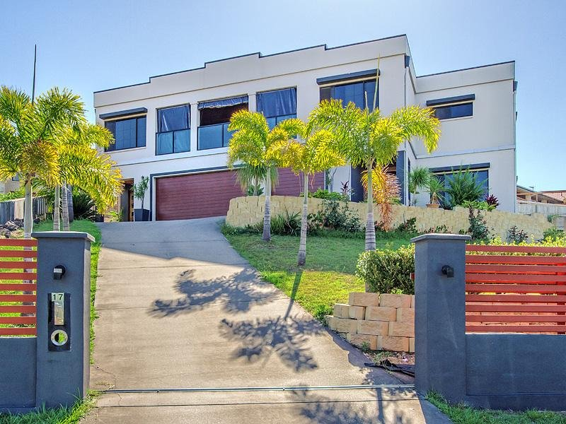 17 Heatons Crescent, Pacific Pines, Qld 4211